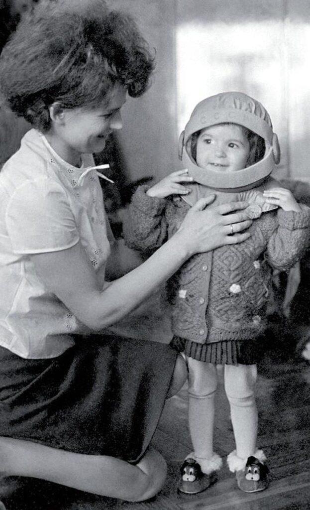 Valentina Tereshkova y su hija Alyonka Tereshkova