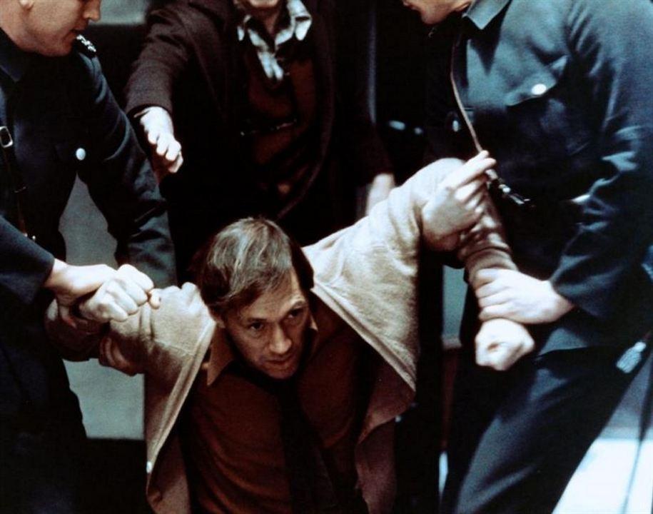Escena del film El huevo de la serpiente, de Ingmar Bergman.